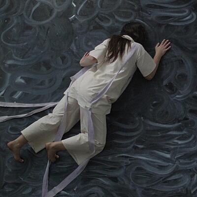 Nadine Byrne - Dreaming Remembering