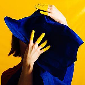 Stine Janvin - Fake Synthetic Music